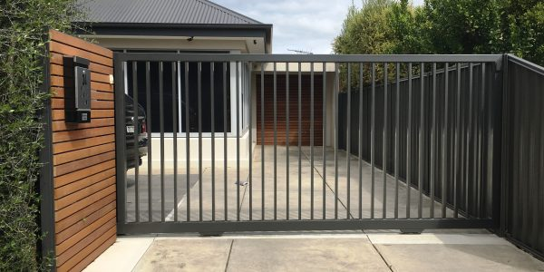 2 Rail Sliding Gate - 75sq Frame