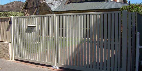 Aluminium Vertical Slat Pair of Gates (2)