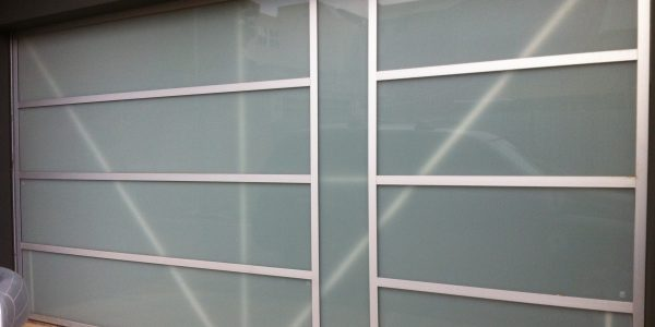 Tilt Glass w Aluminium (1)